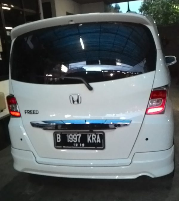 Bodykit Honda Freed Modulo MMC – FRP