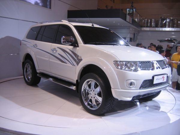 Bodykit Mitsubishi Pajero Sport Raliart 2008-2013-  Plastic ABS Import Thailand (Grade A)