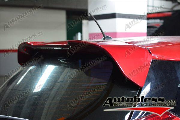 Wing Spoiler Toyota Yaris 2014 + Lamp – Plastik ABS (Grade A)